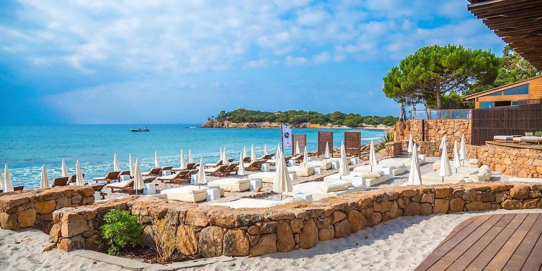 Plage et station balnéaire en Corse